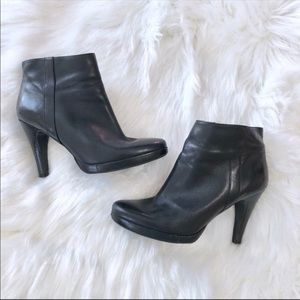 Nine West Trivetto Black Leather Ankle Booties 6.5